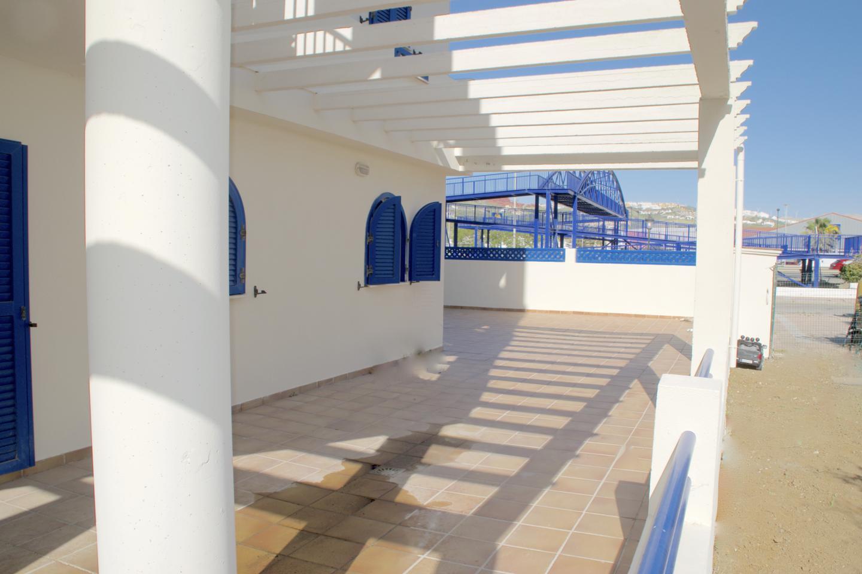 Amplio piso cerca de la playa!!