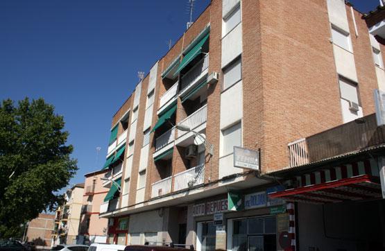 Amplio piso de 4 dormitorios en venta en Pinos Puente , Granada