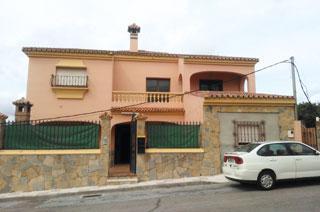 Chalet en venta en Calle Las Gardenias en Taraguilla -, San Roque