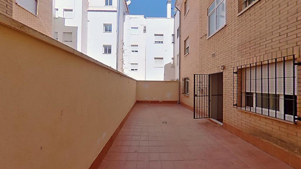Piso en venta en Avenida Pedro De Mendoza Y Lujan, Guadix, Granada