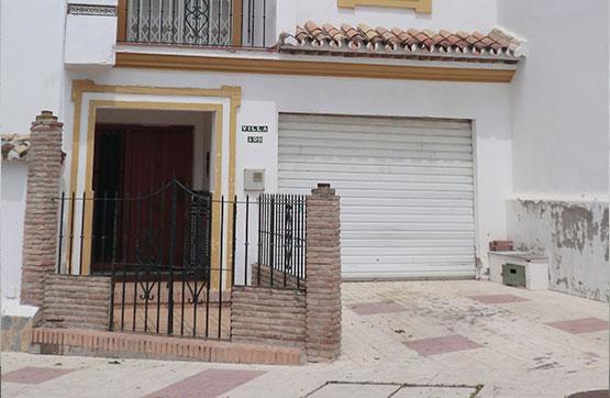 Chalet en venta en Avenida SEGOVIA – URB. CASAMAR, Estepona