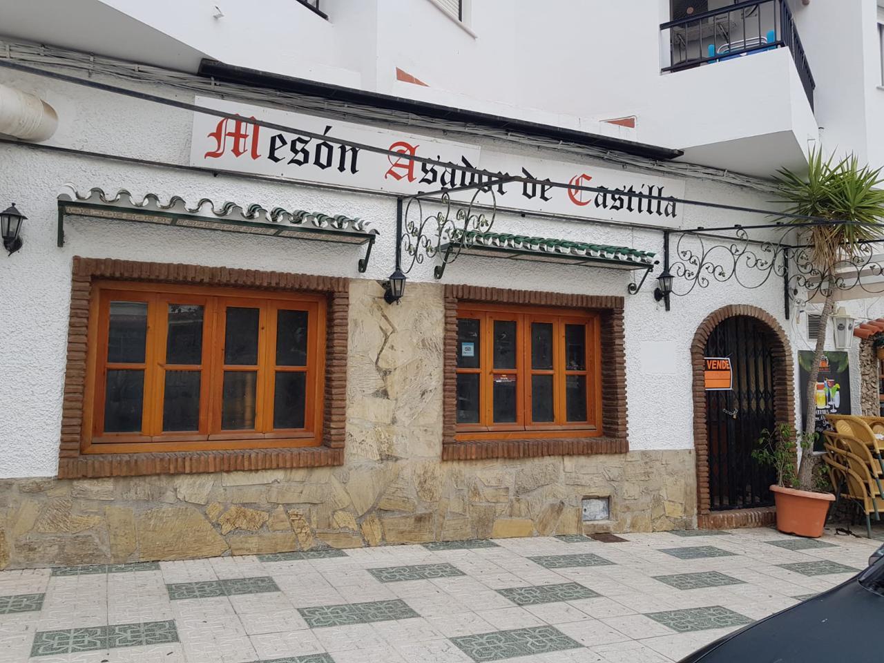 Amplio local en venta en Nerja, Málaga